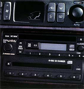 2001 Mitsubishi Diamante In-Dash 6 Disc CD Changer