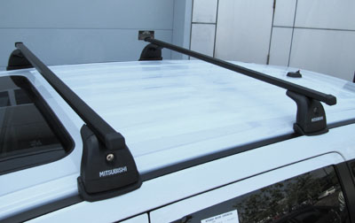 2012 Mitsubishi Outlander Roof Rack Kit with roof accommodati MZ314455